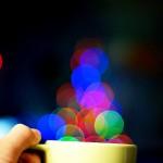 Statt nach Weiterbildung zu suchen, säßen viele lieber im Café. Bild: Sherman Geronimo-Tan / Flickr.com
